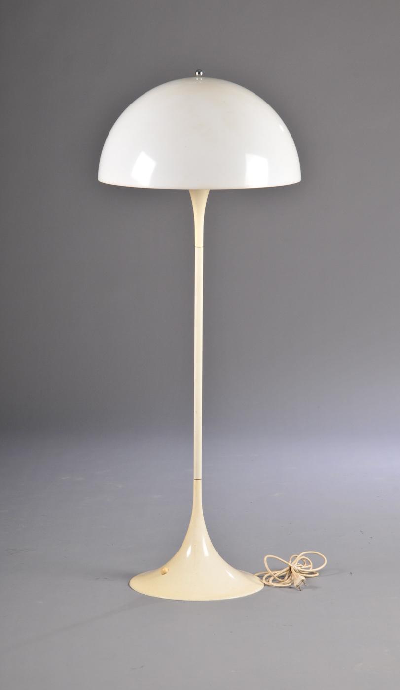 Vara 2057528 Verner Panton 1926 1998, Panthella gulvlampe