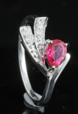 Diamond and ruby ring in 18kt approx. 0.07ct, By Kapriss