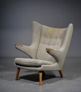 Hans J. Wegner. Papa Bear chair, model AP-19