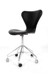 Arne Jacobsen. Kontorstol model AJ 3107. Nybetrukket