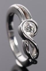 Ruben Swart. Solitaire ring af 14 kt hvidguld, ca. 0.23 ct