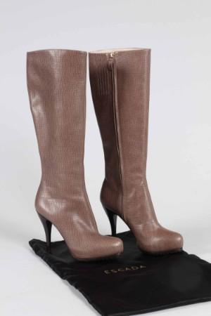 4963a40b21e0 Slutpris för Escada. Lange støvler med stilethæle,