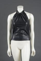 Katrine Smedegaard. Top, bukser samt nederdel af sort lammeskind str 42 (3)