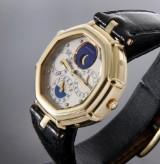 Gerald Genta 'Success'. Men's watch, 18 kt. gold, with 'full calendar', c. 1990s