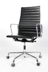 Charles Eames. Kontorstol, model EA-119. Sort læder
