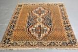 Handknuten persisk matta, 142 x 184 cm