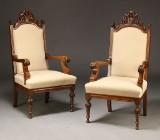 Par Armstole af egetræ med udskæringer (2)