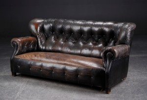 ware 3302123 chesterfield sofa mit hoher r ckenlehne ca 1900. Black Bedroom Furniture Sets. Home Design Ideas