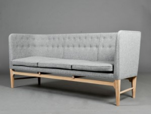 Mayor Sofa Designed By Arne Jacobsen And Flemming Len In Aid Of The Red Cross Denmark Lauritz