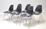 Charles Eames. Six shell chairs, model DSS (6)