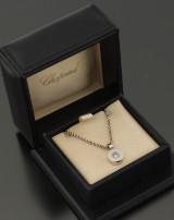 Chopard, Happy Diamond vedhæng og kæde af 18 kt. hvidguld