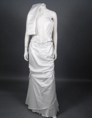 3f983573e8b Slutpris för Panty Line brudekjole med tørklæde
