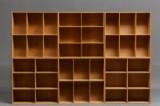 Mogens Koch. Six oak shelf modules and two bases (8)