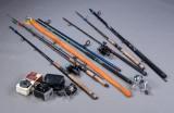 Lystfisker grej. Fiskestænger og hjul, bl.a. ABU Cardinal og ABU Ambassadeur