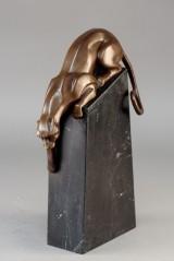 Bronze skulptur af rovdyr