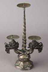 Kerzenleuchter mit Drachenköpfen, Asien, Bronzeguss