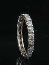 18kt diamond eternity ring approx. 0.75ct <br>