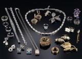 Flora Danica, Esprit, mfl. Samling smykker af sølv og sterlingsølv. (30)