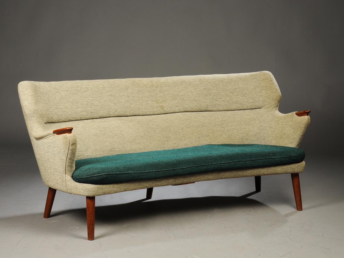 kurt olsen sofa