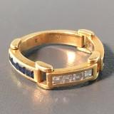 Leddelt ring med diamanter og safirer