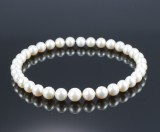 South Sea cultured pearl necklace with white saltwater cultured pearls. Pearl Ø approx. 12.15 -15.19 mm