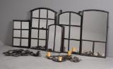Samling staldvindue-spejle samt 2 lysekroner af smedejern (7)