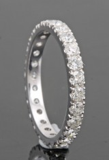 Eternity diamond ring in 18k white gold 1.50 ct