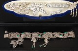 Set i vitmetall och strass samt armband, brosch och örhängen med markasiter och agater