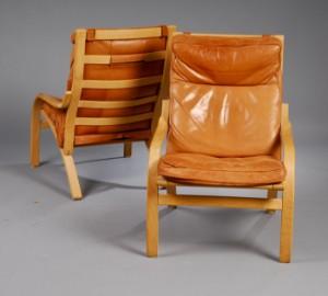 Mogens Hansen. Par hvilestole af bøg med læder, model 102 (2
