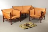 Arne Norell. To-pers. sofa og to hvilestole, model Ilona (3).