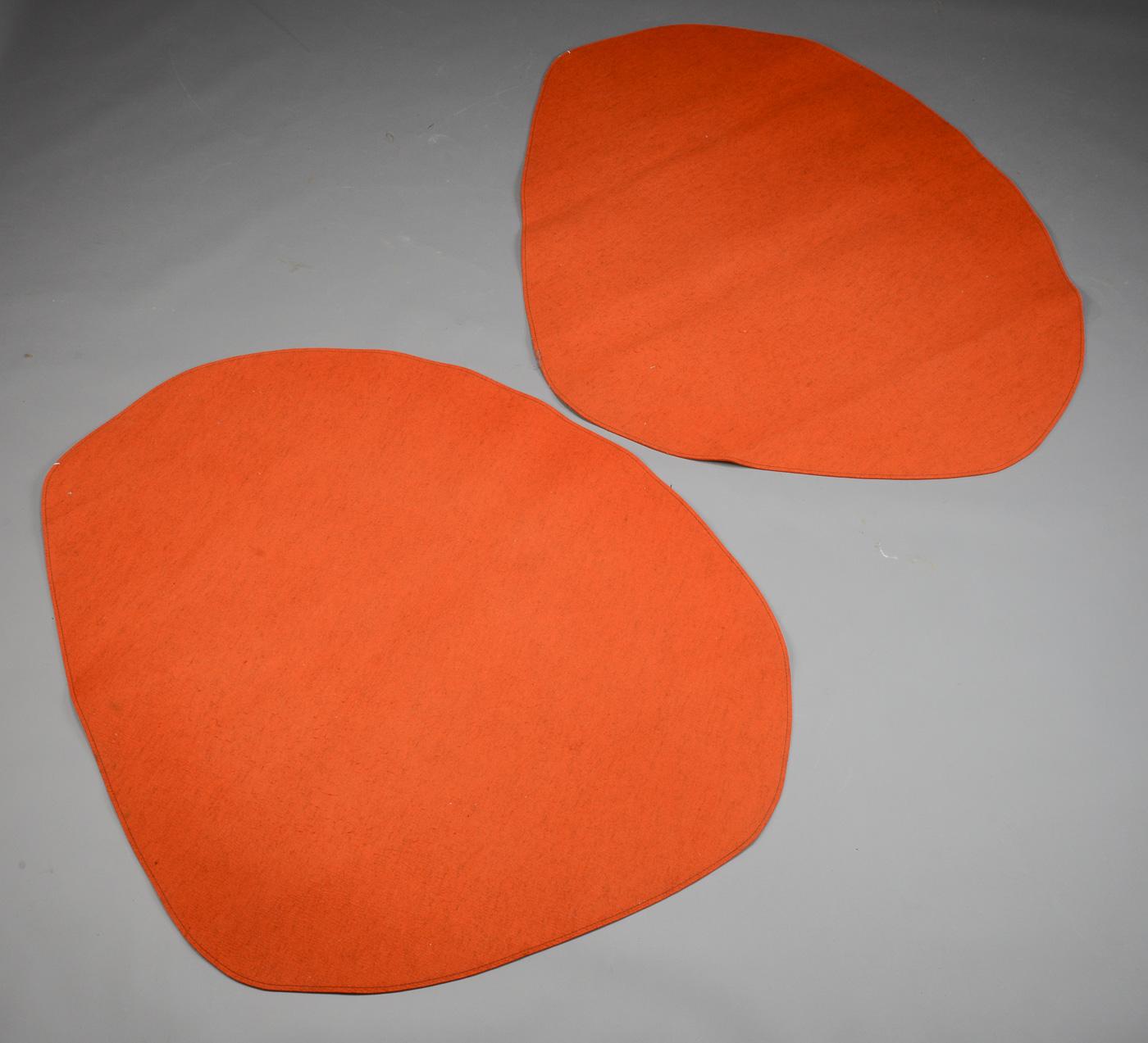 Fraster. To Pebble tæpper, orange - Fraster. To orange Pebble tæpper af uld. 170 x 140 cm. Fremstår med brugsspor