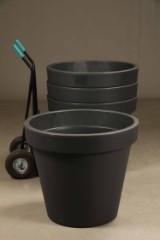 Fire store grå havekrukker i slagfast plast med UV sikring (4)