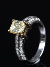 Diamantring, 18 kt guld/ hvidguld, 1.60 ct