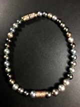 Tahitian pearl necklace with fancy-cut diamonds