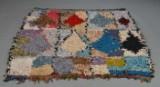 Marokkansk  kludetæppe i forskellige farver 138 x 154 cm.