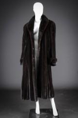 Mahogany mink coat, size 44/46, Alfred Sung