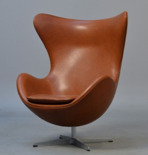 Egg Chair Cognac.Arne Jacobsen Lounge Chair The Egg Tilt Function Cognac