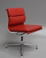 Charles Eames. Soft Pad stol med Ferrari rødt læder, model EA-206