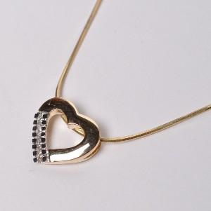 40f7229d955 Aagaard - halskæde af forgyldt sterling sølv, med hjertevdhæng af 14 kt.  guld,