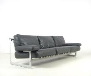lot 4480209 de pas d 39 urbino lomazzi a three seater. Black Bedroom Furniture Sets. Home Design Ideas