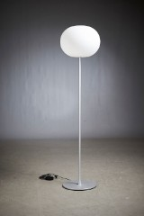 Jasper Morrison. Gulvlampe, model Glo-Ball F3