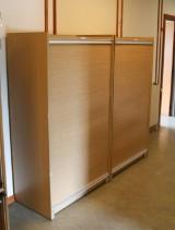 Par jalousiskabe, bøg og aluminium, dansk møbelproducent (2)