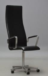 Arne Jacobsen. Højrygget Oxford kontorstol med armlæn, model 3292