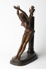 Bronze, skulptur, kvinde ved en pæl, figurativ
