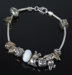 Aagaard Lovelinks - Petite armbånd med 11 charms Denne vare er sat til  omsalg under nyt varenummer 3669764  ba91ec5927795