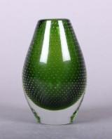 Vase af grønt glas