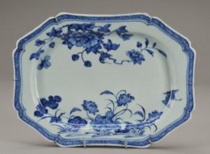 Kinesisk fad af porcelæn Kina Chien-Lung 1736-1795