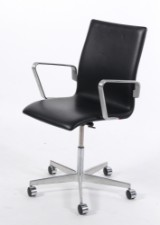 Arne Jacobsen. Oxford office chair, model black leather