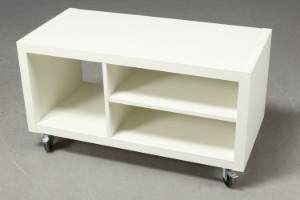 TV-bord på hjul. Hvid lak. | Lauritz.com