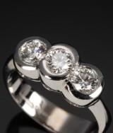 Barbero & Ricci, Valencia. Italian diamond ring, 18 kt. white gold